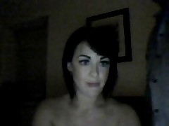 Англичанка сидит на лице перед вебкамерой