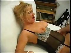 Развратная тетка в секс белье