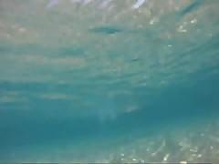 Голышом под водой