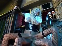 Шикарная блонда обожает анал