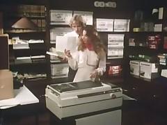 Винтажное видео с сексом в офисе