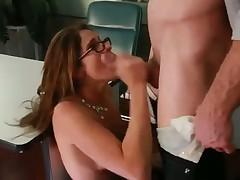 Секс в чулочках в офисе