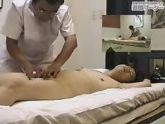 Скрытая камера в комнате для массажа