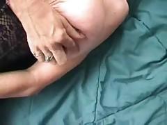 73-letnjaja babulja s molodym