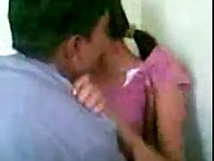 Девушка трахается с незнакомым парнем
