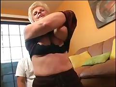Gorjachaja zrelaja blondinka