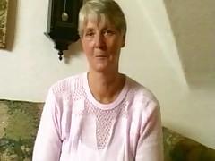 Бабушка и ее любимый дилдо