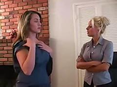 Lesbijanki trahajutsja v ofise