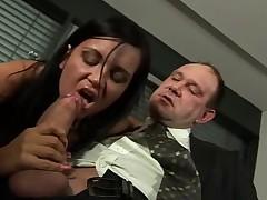 Anal'nyj seks s tugoj dyrkoj