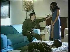 Французский солдат трахает Алжирскую девушку в попку