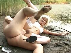 Starushka ljubit v anal