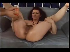 Anal'nyj seks s volosatoj starushkoj