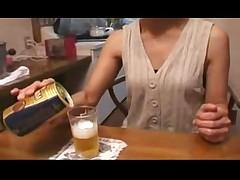 Moloden'kaja i staraja japonochki