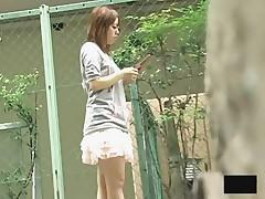Азиатская девушка ходил голая по Токио