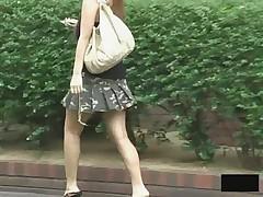Подглядывание за азиатскими девчонками