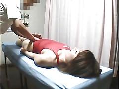 Skrytaja kamera na massazhe sbornoj univera po plavaniju