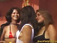 Жесткий трах и большие члены на бразильской вечеринке