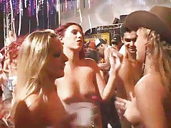 Бразильский карнавал - секс на публике