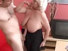 Трахнули горячую бабушку в сапогах