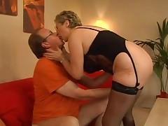Smotri babushkin seks