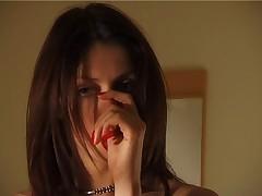 Moloden'kaja francuzhenka Penni masturbiruet dlja Vas
