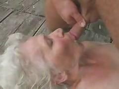 Ego seks s zaletnoj babulej
