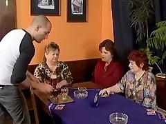 Tri tolstye babushki nimfomanki