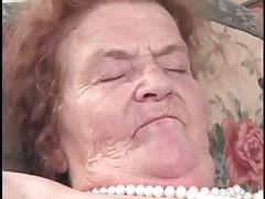 Похотливая старушка