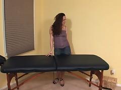 Lesbijskij massazh s ispol'zovaniem masla