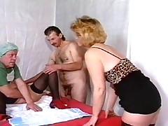 Nemka babulja Anna Berger ljubit gorjachij seks