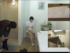 Massazh i podgljadyvanie za japonkami