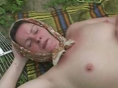 Babushka terpit anal'nyj seks