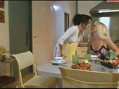 Francuzskaja porno zvezda v lesbijskoj scene