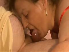 Муж трахает свою полную женушку