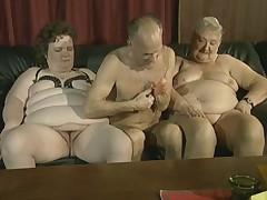 tayskiy-striptiz-video-starushka-dva-molodih-chlena