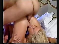 Один член для двух блондинок