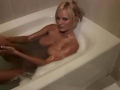 Сначала в душ потом в ванну