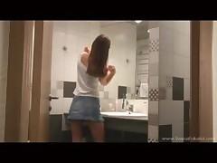Ivannu trahajut v dushe v seksual'nyh chulkah