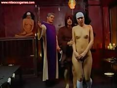 Жестко оттраханная монашка