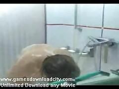 Podgljadyvanie za krasivoj devushkoj v dushe