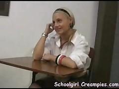 Malen'kaja studentka trahaetsja s prepodom
