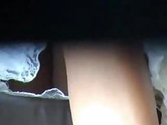 Brituju kisku vidno iz pod jubki
