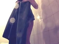 Скрытая камера в ванной