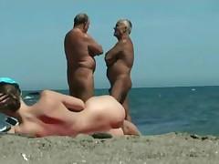 Вся красота нудистского пляжа