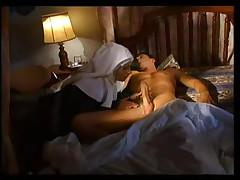 Ital'janskaja monashka znaet tolk v porno