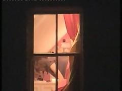 Заснял как соседка в окне раздевается
