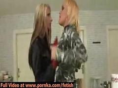 Dve lesbijanki borjutsja