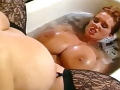 Большие сиськи в ванной
