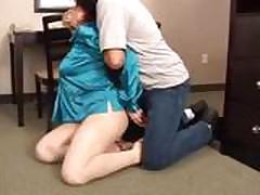 Сексуальная красотка в бондаже