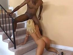 блондинка и негр 1
